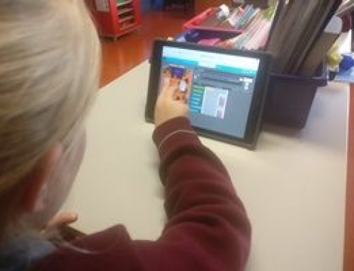 4th Class are really enjoy Coding